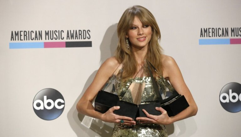 Тейлор Свифт стала триумфатором American Music Awards 2013