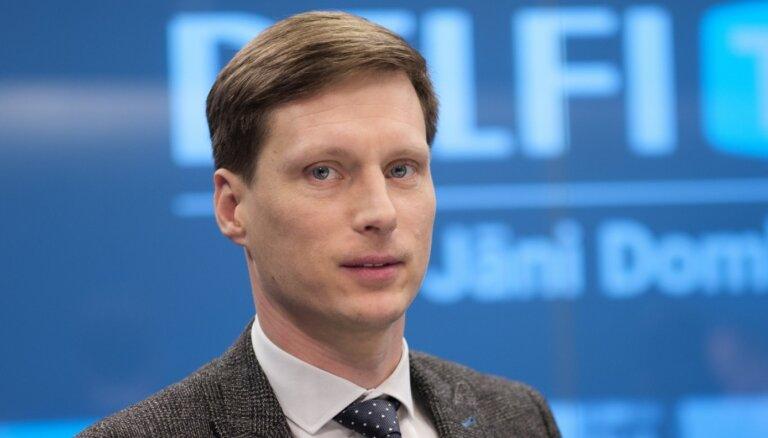 """Министр экономики: туристическая отрасль в Латвии """"рухнула"""" на 90%"""