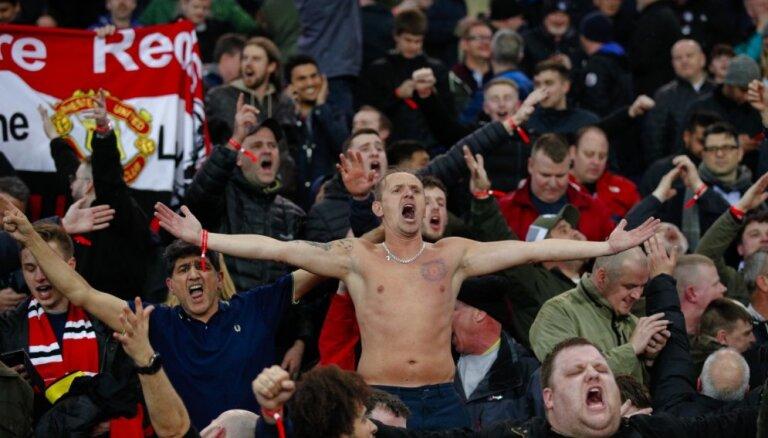 Pēc dramatiskās uzvaras Parīzē sadurts 'Manchester United' līdzjutējs