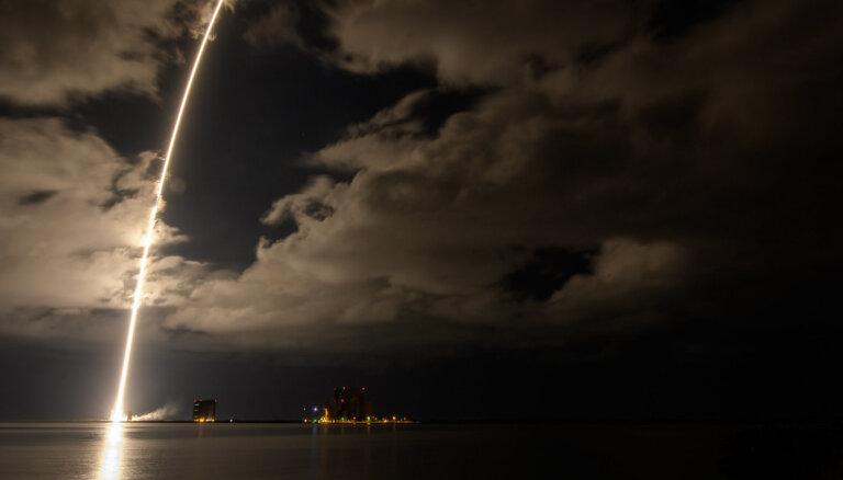 Lūsija ar dimantiem dodas debesīs pie trojiešiem. NASA sāk aizraujošu misiju