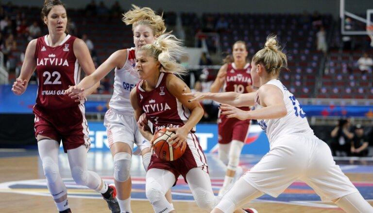 Сборная Латвии проиграла британкам в первом матче домашнего чемпионата Европы