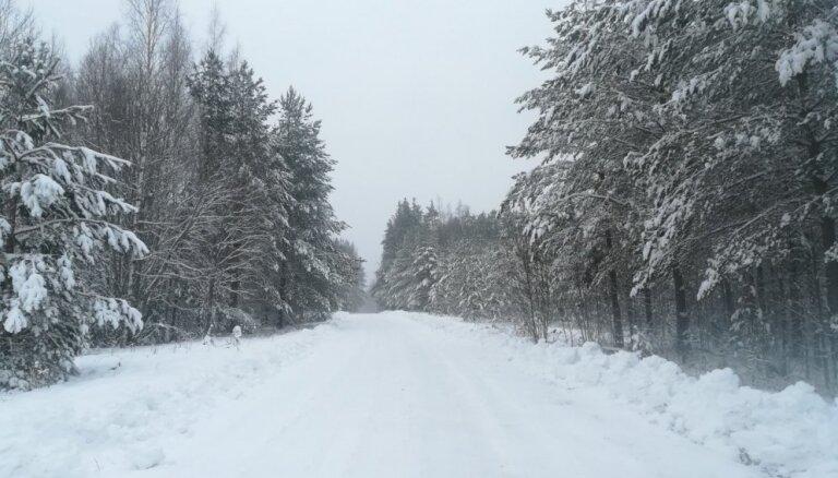 Nedēļas nogalē Latvijā pastiprināsies anticiklons; prognozē stabilākus laikapstākļus un salu