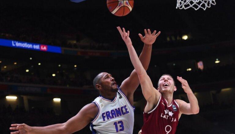 Баскетболисты Латвии обыграли в спарринге французов