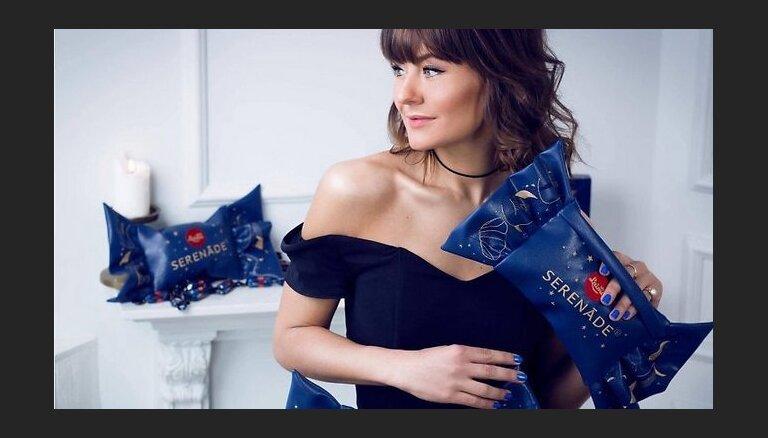 Foto: Pašmāju dizainere rada somiņas 'kārumu' un 'serenāžu' veidolā