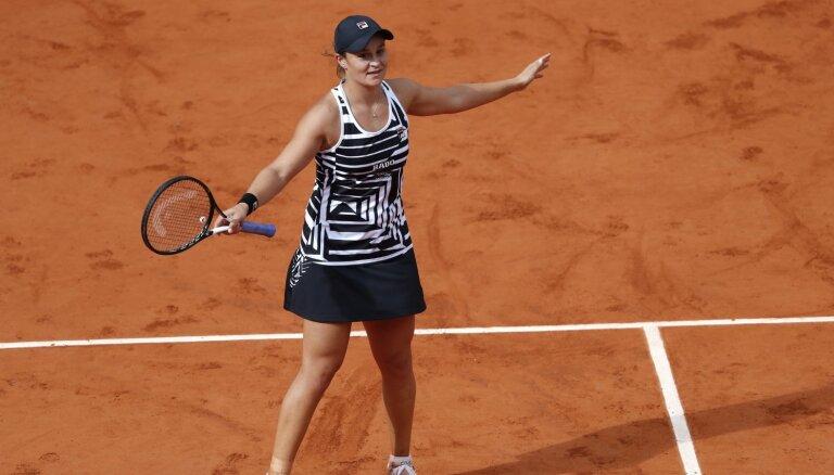 Austrāliete Bārtija kļūst par jauno WTA ranga līderi