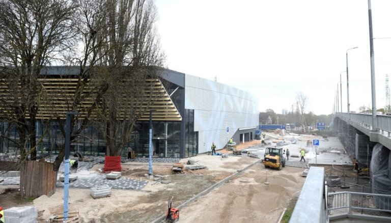 'Daugavas' stadiona ledus treniņu halli vēlreiz neizdodas nodot ekspluatācijā
