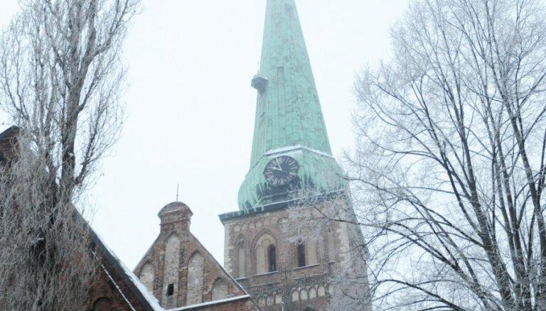 Архиепископ: башня Рижского Кафедрального собора может угрожать безопасности людей