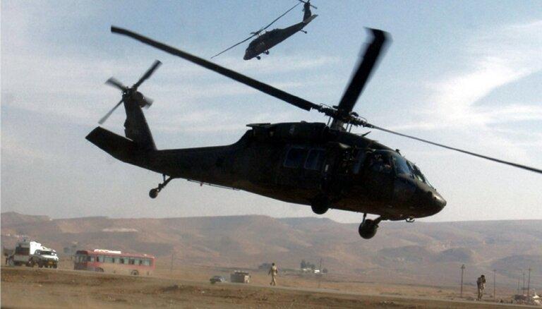Жителей Латвии просят не волноваться из-за летающих над головой вертолетов США