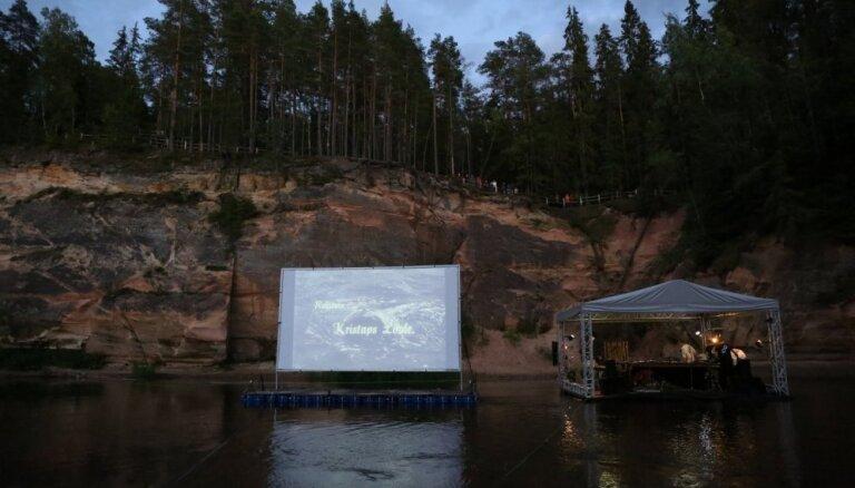 Ar mūzikas un mākslas performancēm turpinās Cēsu Mākslas festivāls