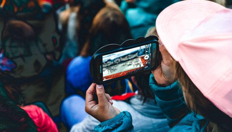 Смартфон = угроза? Как защитить своего ребенка от травли в соцсетях и ютубе