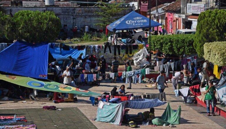 Otra migrantu karavāna uzsāk kustību uz Meksiku