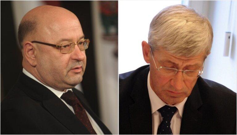 Bijušo Saeimas kancelejas vadītāju un parlamenta izpilddirektoru tiesās par nolaidību