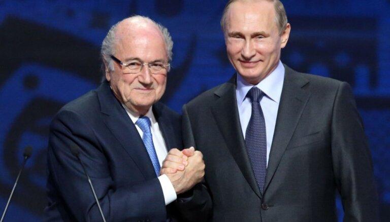 Блаттер приедет на ЧМ в Россию по приглашению Путина, несмотря на запрет ФИФА