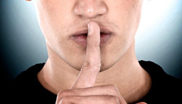 Saeimas komisija atbalsta iespēju tiesā pārsūdzēt pielaides valsts noslēpumam atteikumu