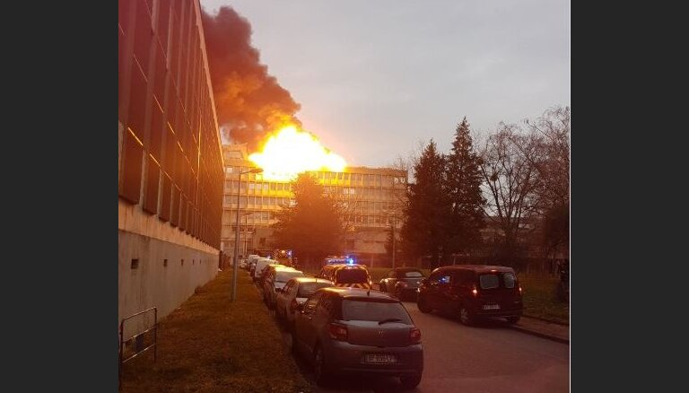 ВИДЕО: в университете Лиона произошла серия взрывов