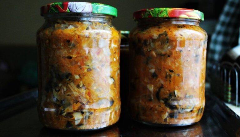 Kreftīga sēņu soļanka un vēl divas sēņu 'burciņzupu' receptes pieliekamā krājumiem