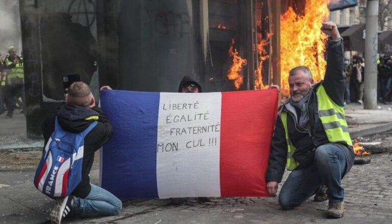 Policija aizliedz 'dzelteno vestu' protestus Elizejas laukos