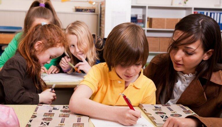 Skolas brīvlaikā Rīgā dzīvojošos bērnus aicina apmeklēt bibliotēkas un brīvā laika centrus