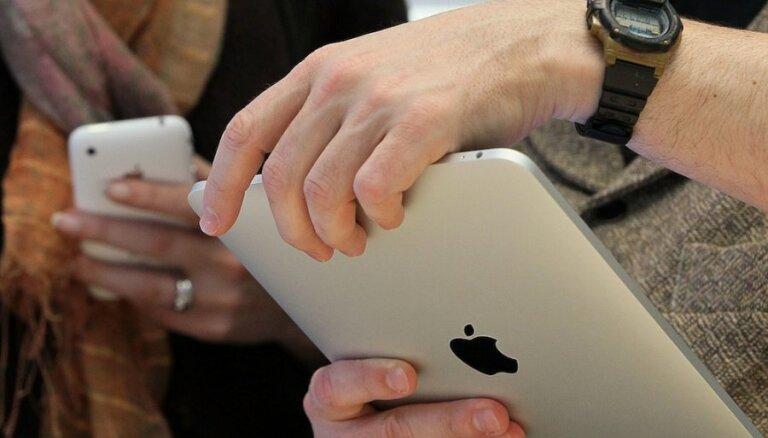 Baidoties no izspiegošanas, Krievijas amatpersonas atsakās no 'iPad'
