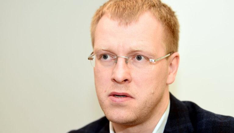 Elksniņš gāšanu no amata saista ar Latgales partijas biedru pārbaudēm