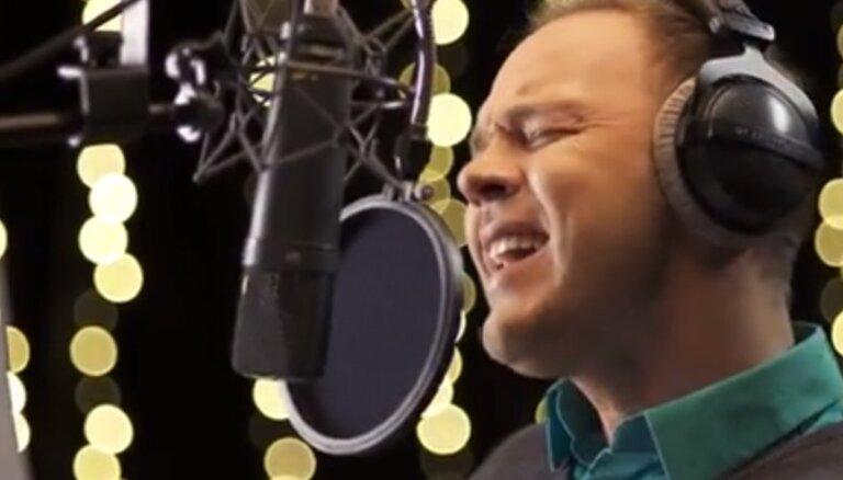 Video: Latvijas mūzikas zvaigznes vienojas Ziemassvētku dziesmā
