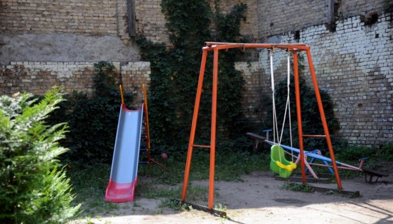 Publicē Rīgas privāto bērnudārzu sarakstu; 16 dārziņiem ekspluatācija pagaidām liegta