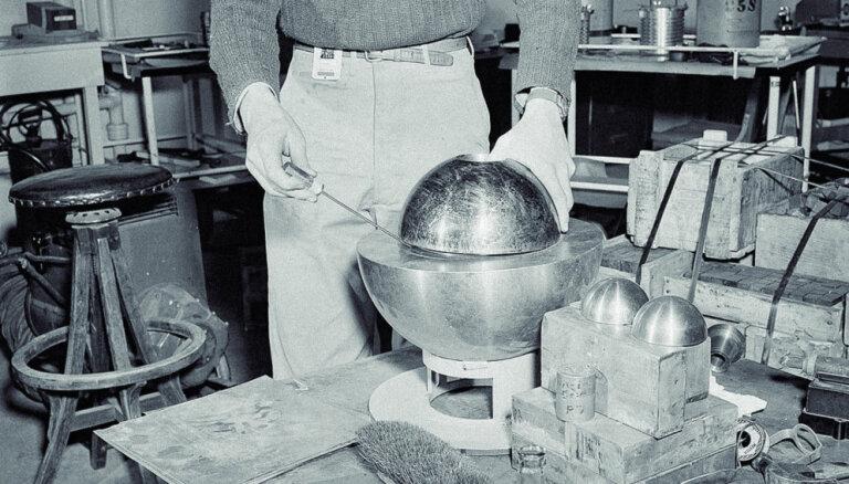 Kutināt pūķa asti jeb kā radioaktīvais 'dēmona kodols' nogalināja divus jaunus fiziķus