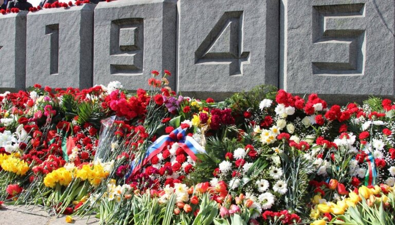 Нацблок и НКП 9 мая будут следить за работой полиции возле памятника Победы