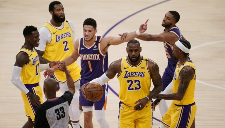 Čempione 'Lakers' izvirzās vadībā sērijā pret 'Suns'