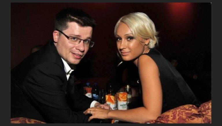 Гарик Харламов снова женат на своей супруге