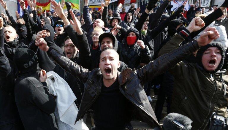 Националисты устроили беспорядки в Брюсселе, полиция применила водометы