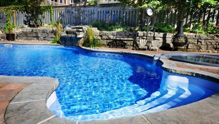 Загадочная смерть пастора и двух детей в бассейне: семья не верит следствию