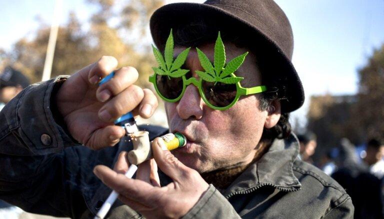Kanādā pēc legalizācijas krasi pieaudzis marihuānu pirmo reizi lietojušo skaits