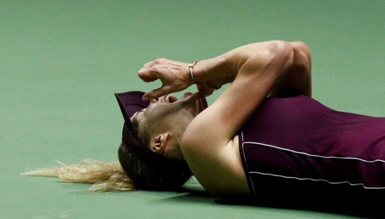 Svitoļina uzvar 'WTA Finals' noslēdzošajā mačā