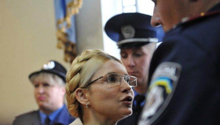 Timošenko piesaka badastreiku, protestējot pret Kijevas atteikšanos no līguma ar ES