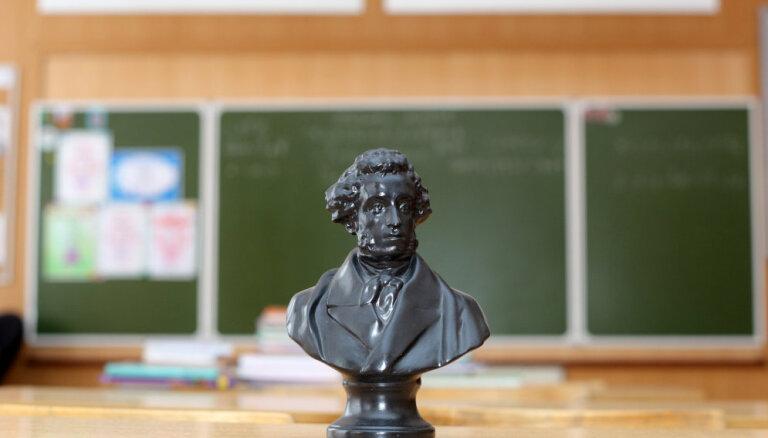 Филолог: Русский язык в Латвии не станет мертвым