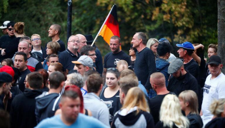Протесты на востоке Германии после гибели местного жителя в драке с мигрантами