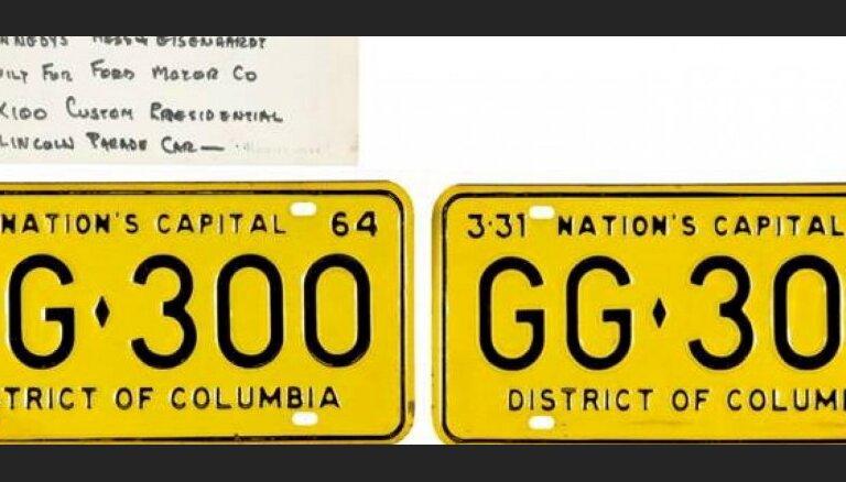 Номерной знак лимузина Кеннеди продан за 100 тысяч долларов