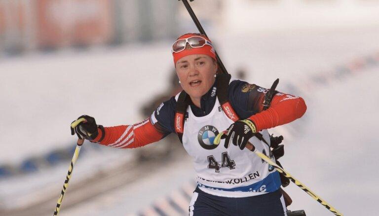 Российские биатлонисты одержали две победы, Расторгуев поднялся на 15 мест