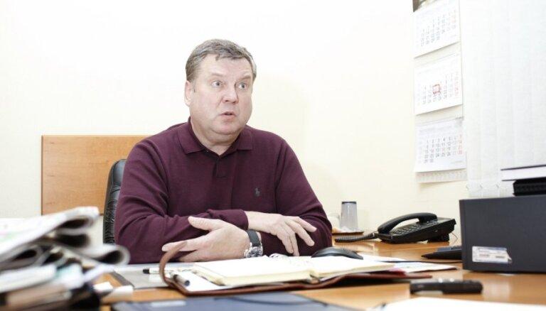 Urbanovičam par Saeimas sēdes kavēšanu no algas atvilks 20%