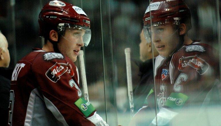 Lī Svets. Samaksāja, lai uzspēlētu kopā ar Ozoliņu, iemeta NHL un... pameta hokeju