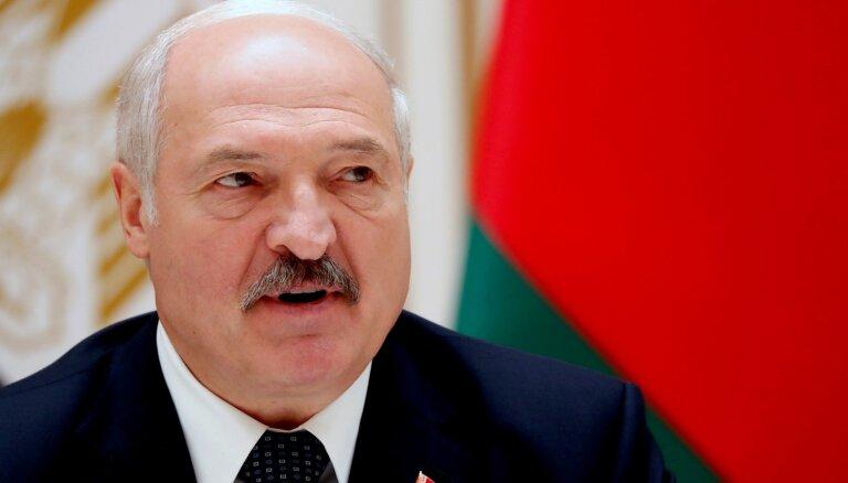 """Лукашенко: стремление России """"подчинить"""" Беларусь обернется войной с НАТО"""