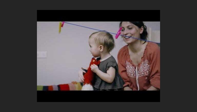 Mainām televizoru pret čiekuru lasīšanu: kādēļ mazuļiem jākustas trīs stundas dienā