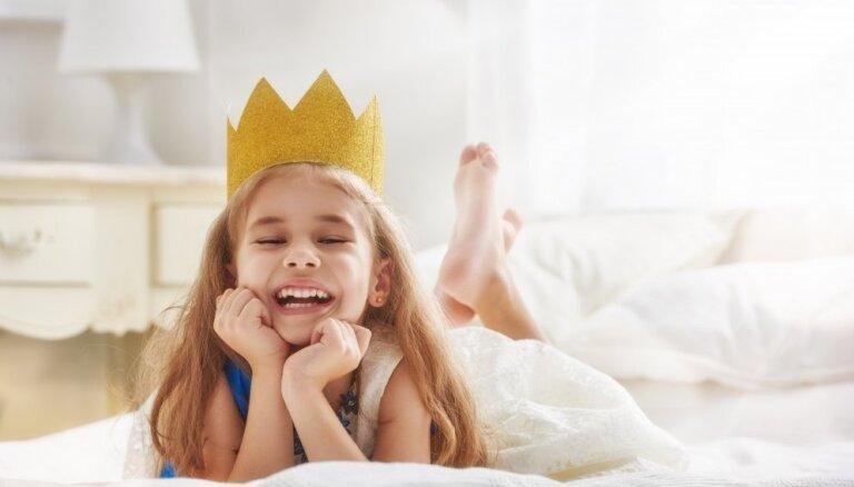 Pašpārliecības kods meitenēm: pieci ieteikumi, kā palīdzēt meitai celt pašapziņu