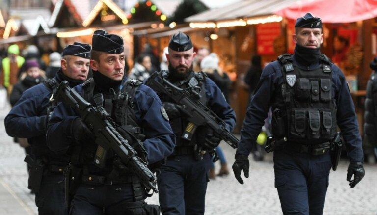 Strasbūras terorakta lietā pratināšanai aizturēti septiņi cilvēki