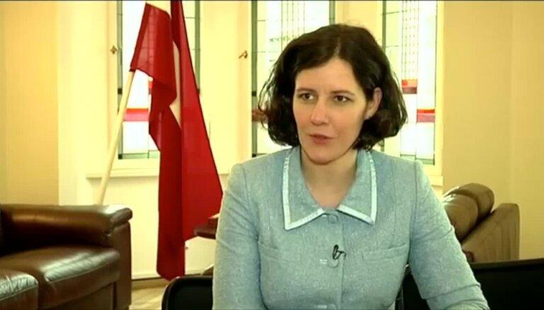 VID darbinieku skandāls: Tā sērga joprojām ir ļoti liela, skaidro finanšu ministre