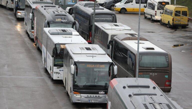 Sabiedriskā transporta pakalpojumu līgums ar uzvarētājiem noslēgts astoņās maršrutu tīkla daļās