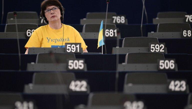 """Сандра Калниете покидает правление """"Единства"""": конфликт с Аболтиней ни при чем"""