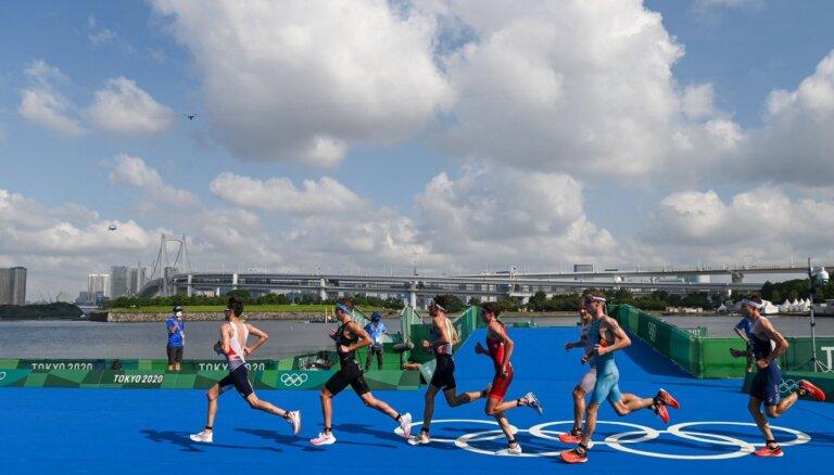 Tokijas olimpisko spēļu rezultāti triatlonā vīriešiem (26.07.2021)