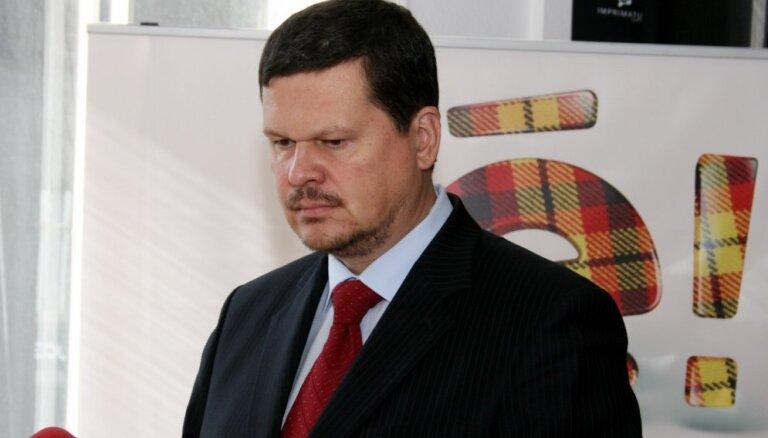 Gerhards pieprasa Ušakovam skaidrot 'pazudušā jautājuma' lietu